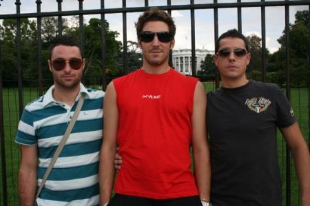 Ric, Sir e Tinto davanti alla Casa Bianca