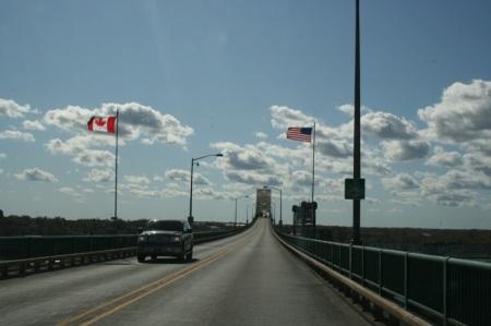 Il ponte che collega Canada e Stati Uniti